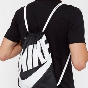 🖤 Nike Heritage Gymsack 🖤 Black-White